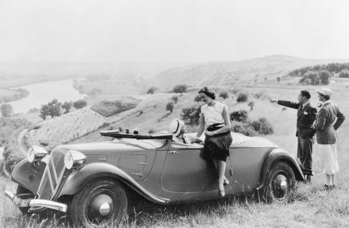 1935. g. Traction 11B kabriolets