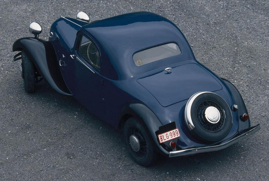 "1937. g. Traction 11B ""Faux-Cabriolet"""