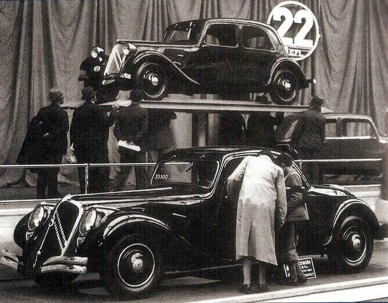"1934. g. Traction 22B ""Faux-Cabriolet"""